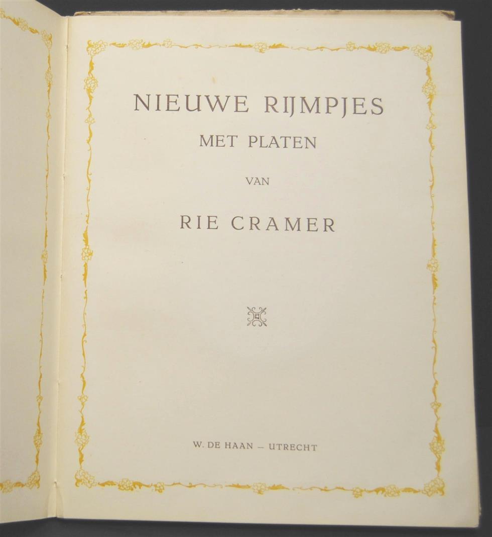 CRAMER, RIE - Nieuwe rijmpjes met platen van Rie Cramer